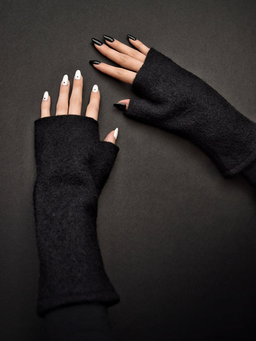 Capsule FW19: Fingerless Gloves in Wool (Four Colours)