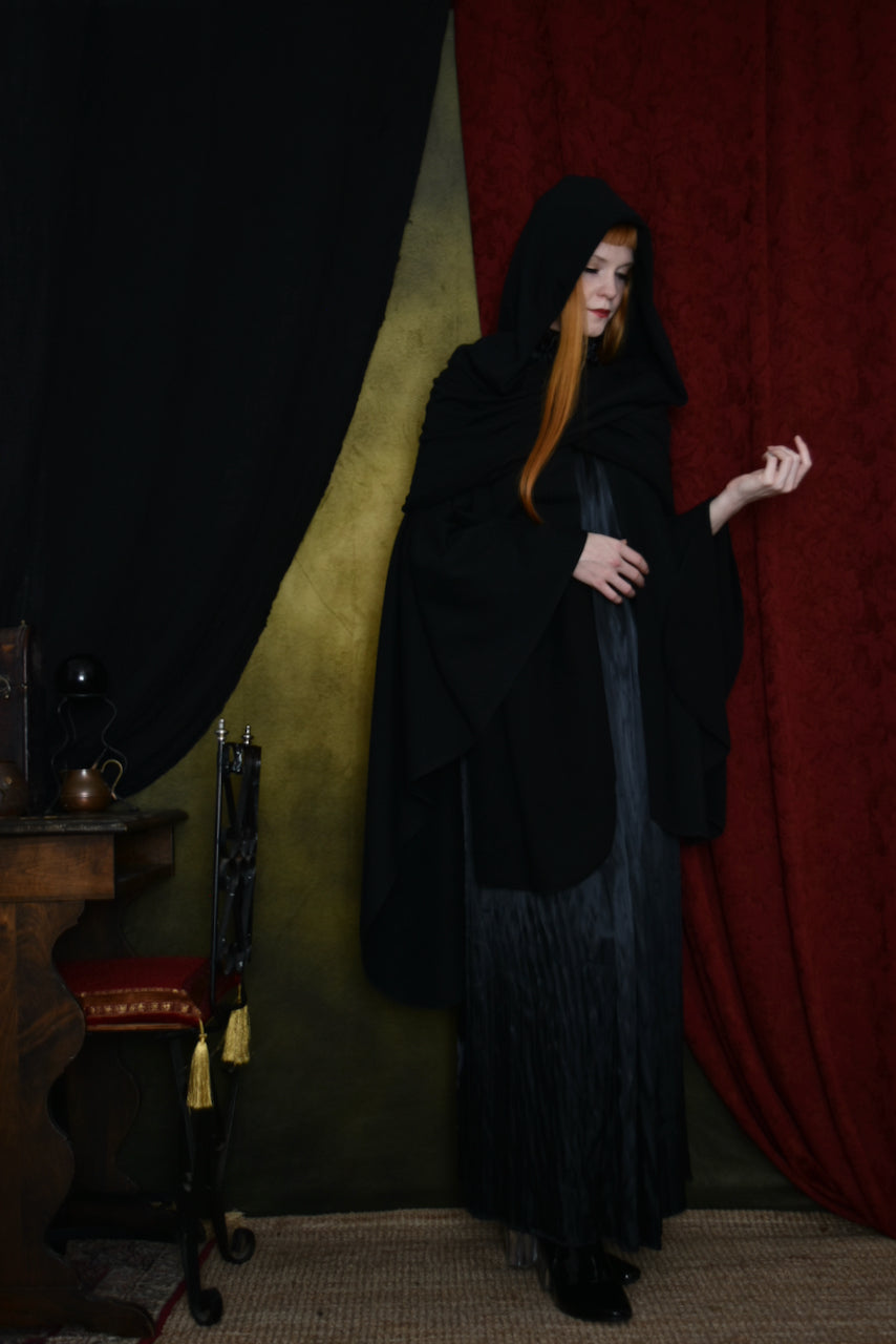 FW 2020: Mythic Cape in Organic Cotton
