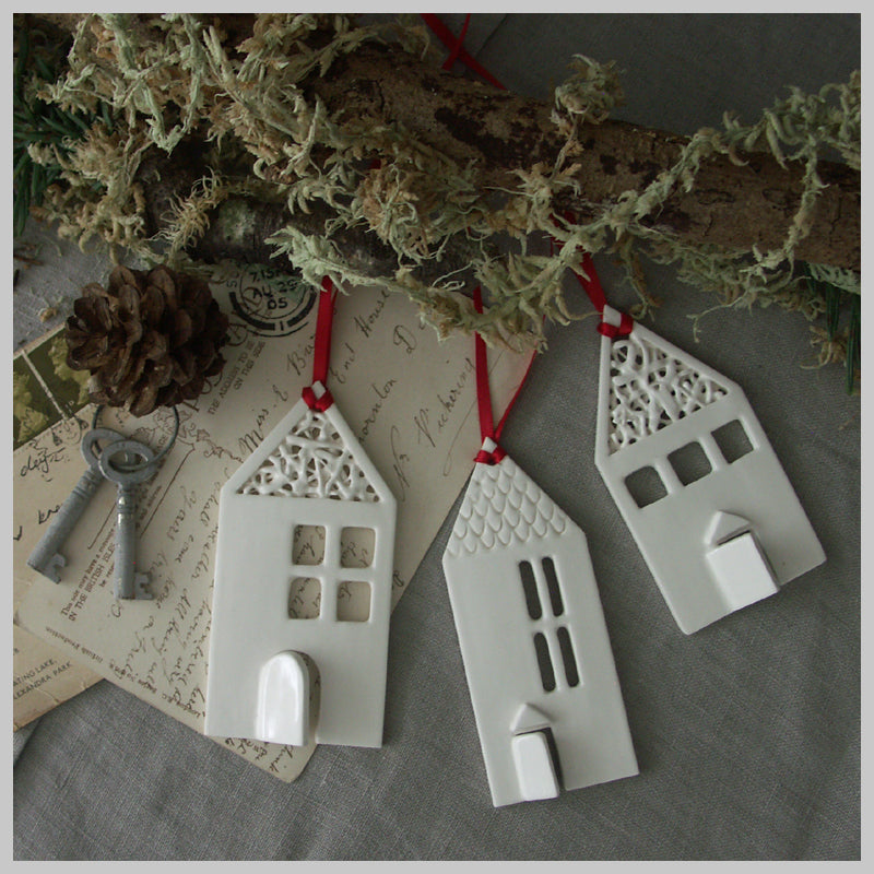 Set of 3 Hanging Houses