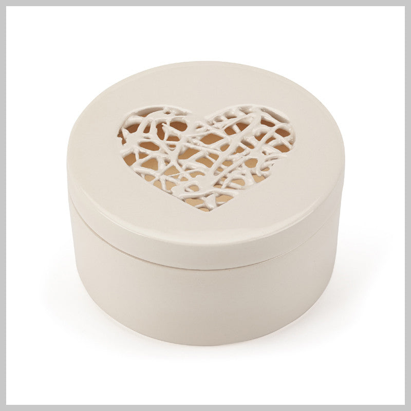 Fresh Linen Luxury Scented Candle