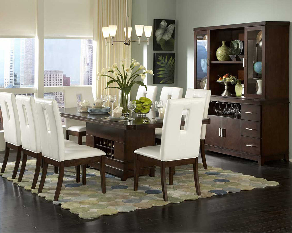 What is the difference between a sideboard and a buffet table?