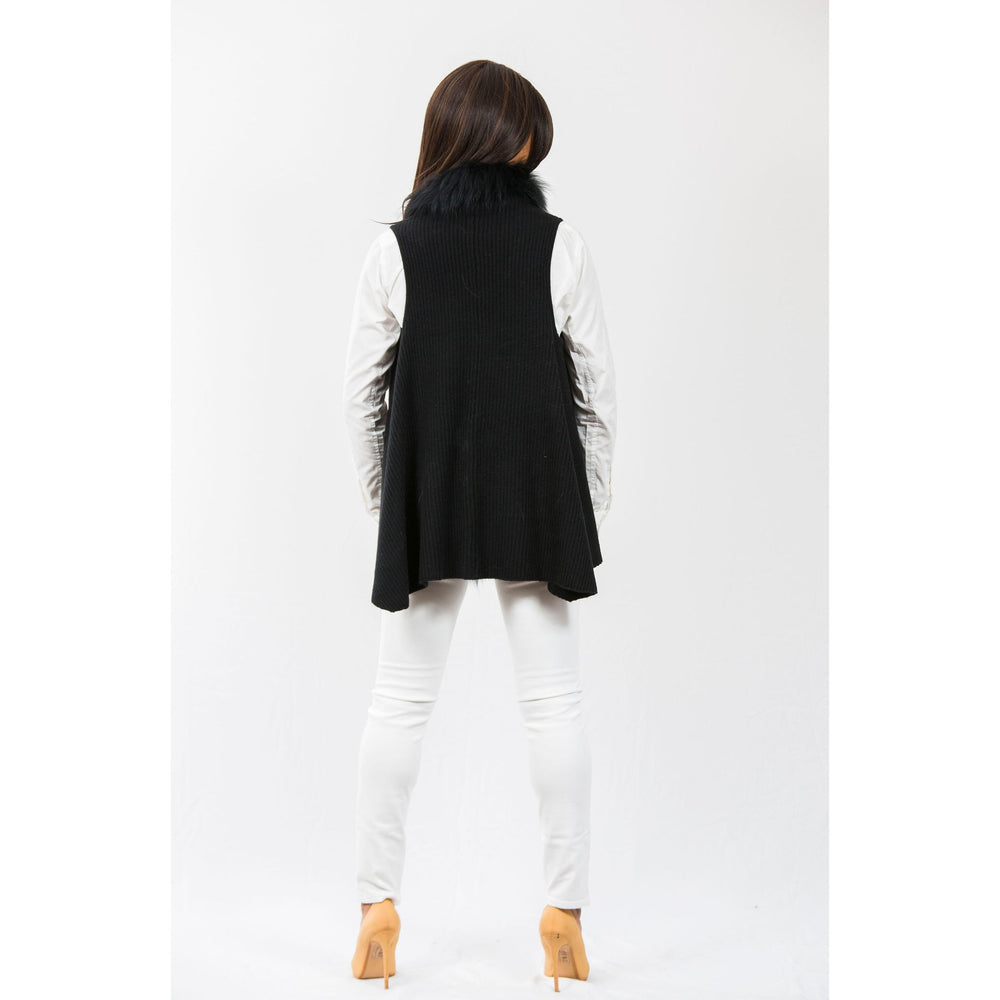 Load image into Gallery viewer, Two Bees Cashmere Hope Faux Fur Trim Vest Black/Black Fur