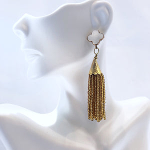 Load image into Gallery viewer, Sugar Quatrefoil Cha Cha Cha Tassel Earrings MOP/Gold