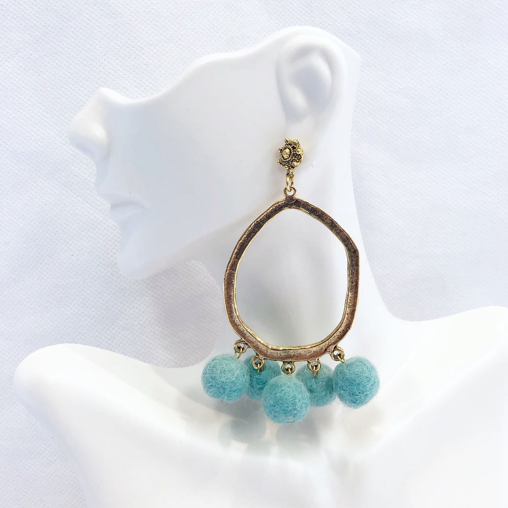 Load image into Gallery viewer, Pom Hammered Hoop Earring Aqua
