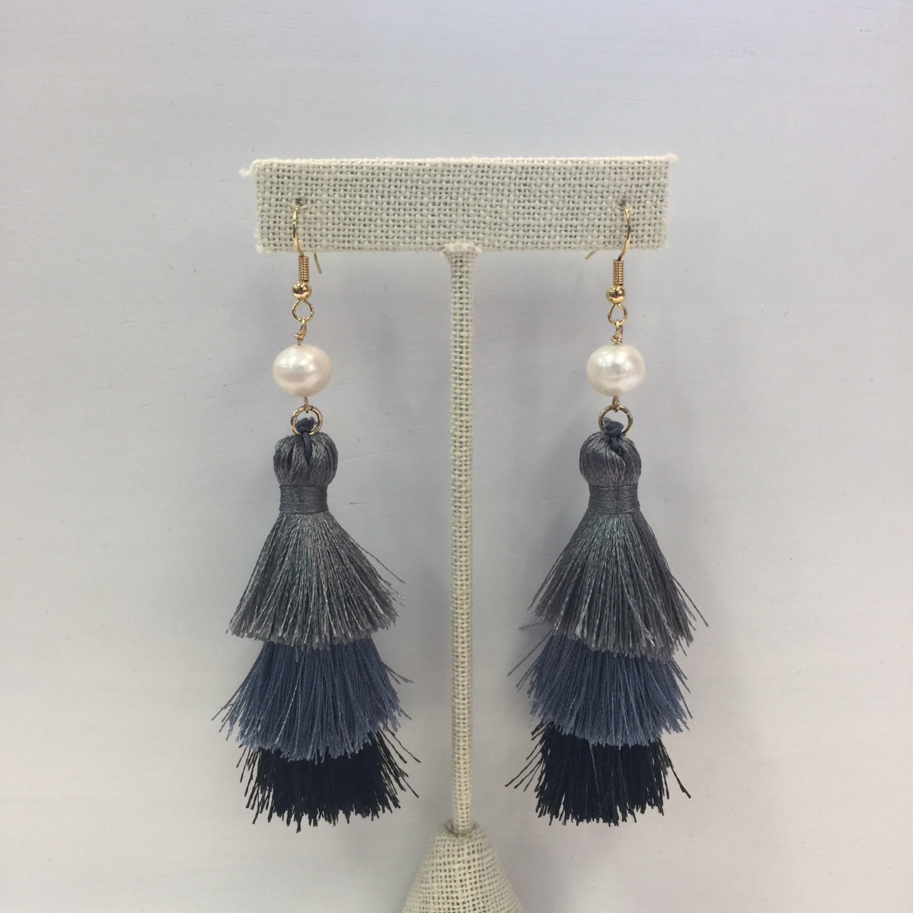 MVF Cha Cha Ombre Pearl Earrings Grey