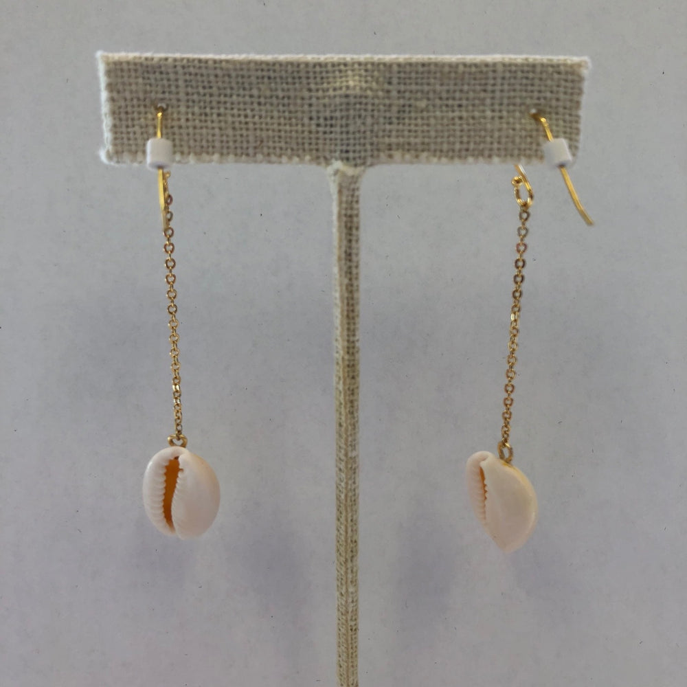 Load image into Gallery viewer, Shell Swing Earrings Gold