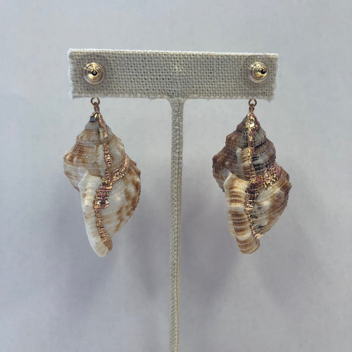 KEP Pom Stud With Shell Earring Gold