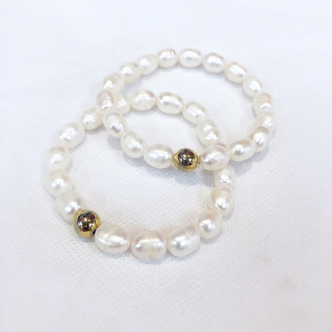 MVF Pearl Stretch Bracelet Gold Bead White