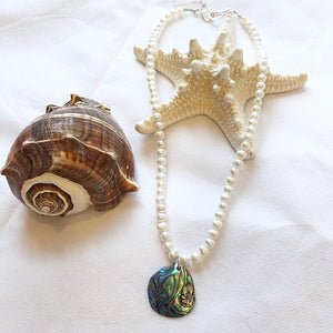 MVF Pearl and Abalone Shell Necklace White