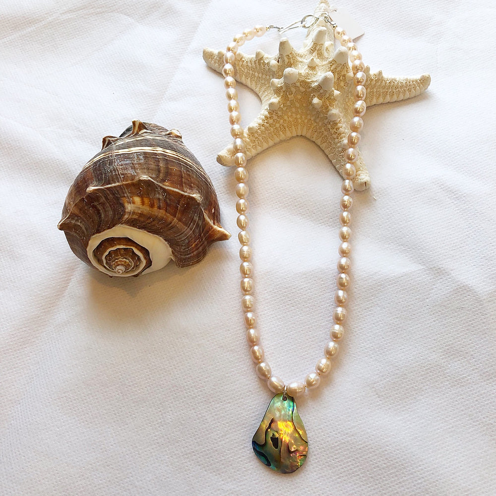 MVF Pearl and Abalone Shell Necklace Peach