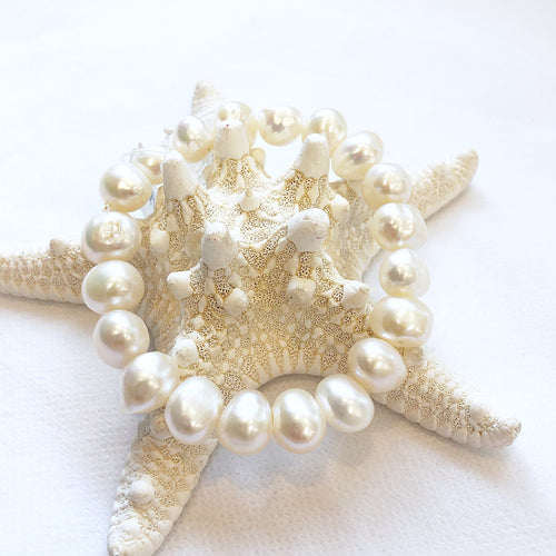 MVF Large Pearl Stretch Bracelet White
