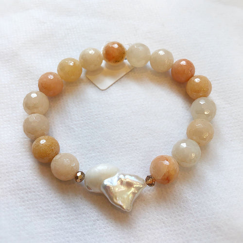 MVF Gemstone Stretch Bracelet Rose Aventurine and Single Pearl