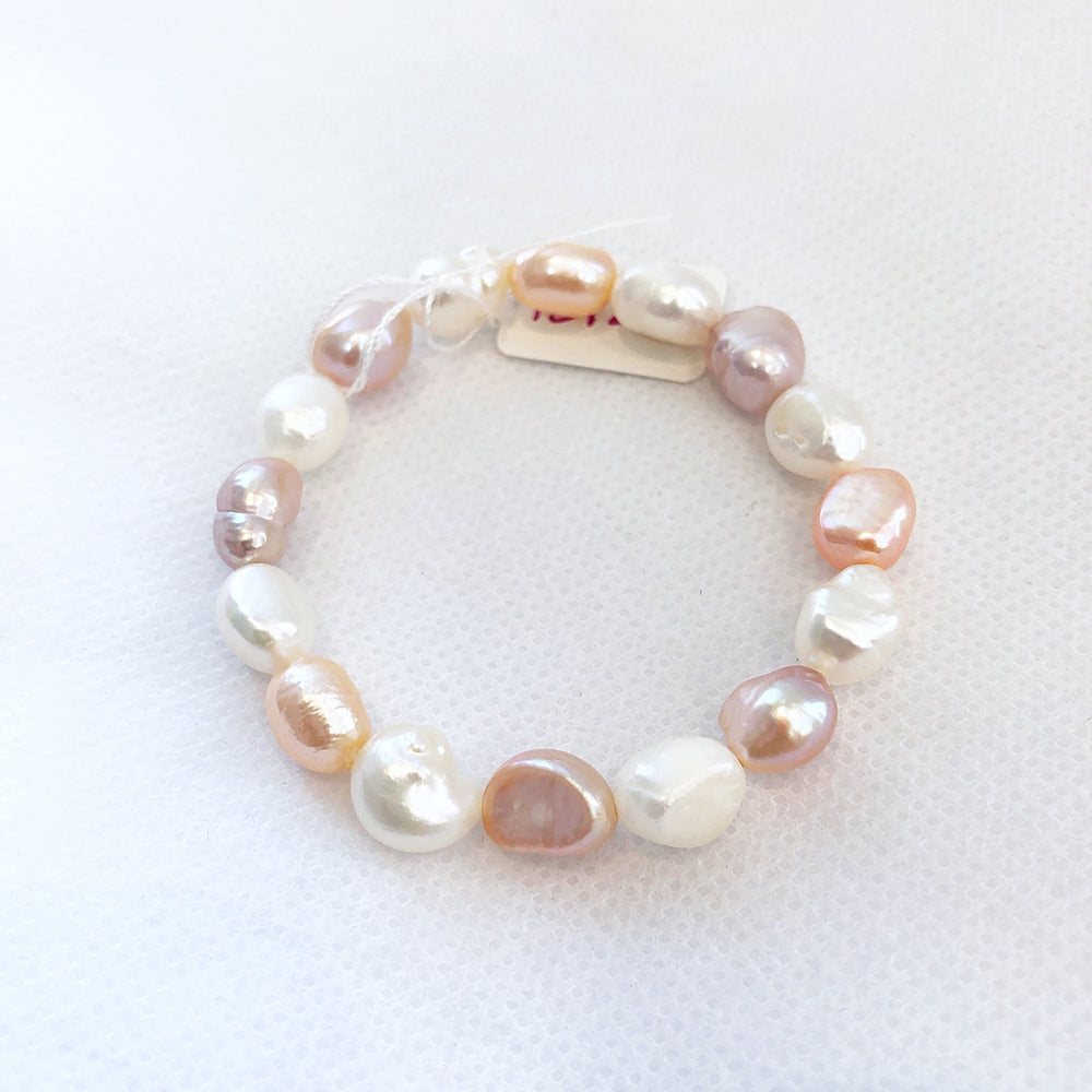 Load image into Gallery viewer, MVF Girls Pearl Stretch Bracelet Multi