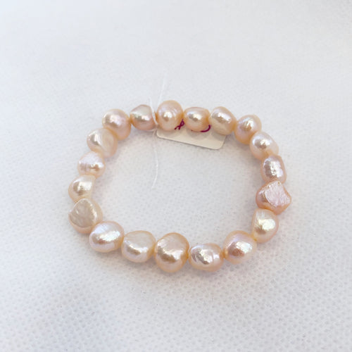 MVF Girls Pearl Stretch Bracelet Peach