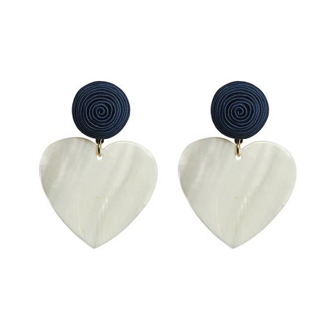 KEP Motif Heart Earring Mother Of Pearl