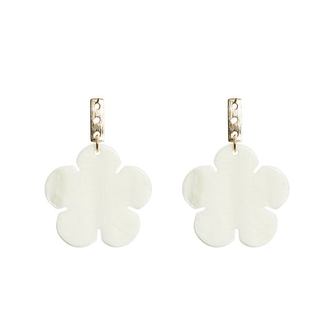 KEP Motif Clover Earring Mother Of Pearl