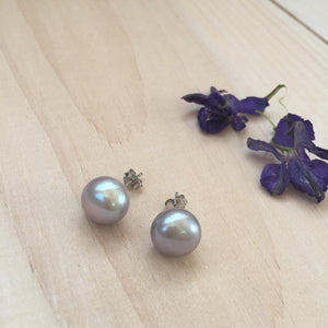 Load image into Gallery viewer, MVF Pearl Studs Silver