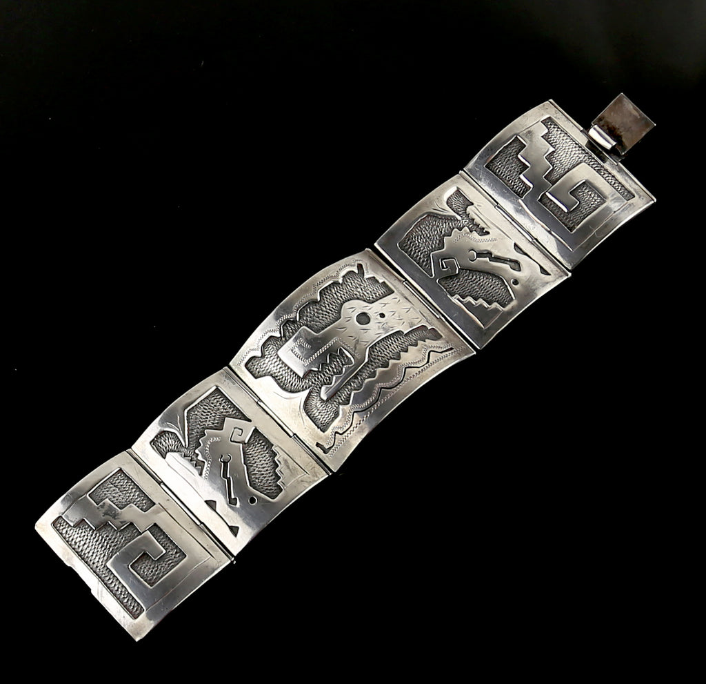Vintage Mexican Sterling Silver Bracelet Depicting a Serpent