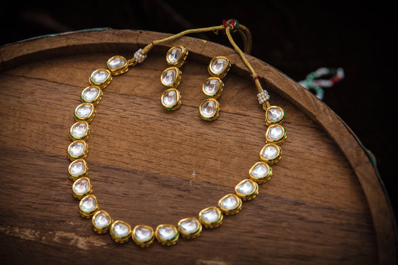 Single Line Vilandi Kundan Necklace Set with Earrings