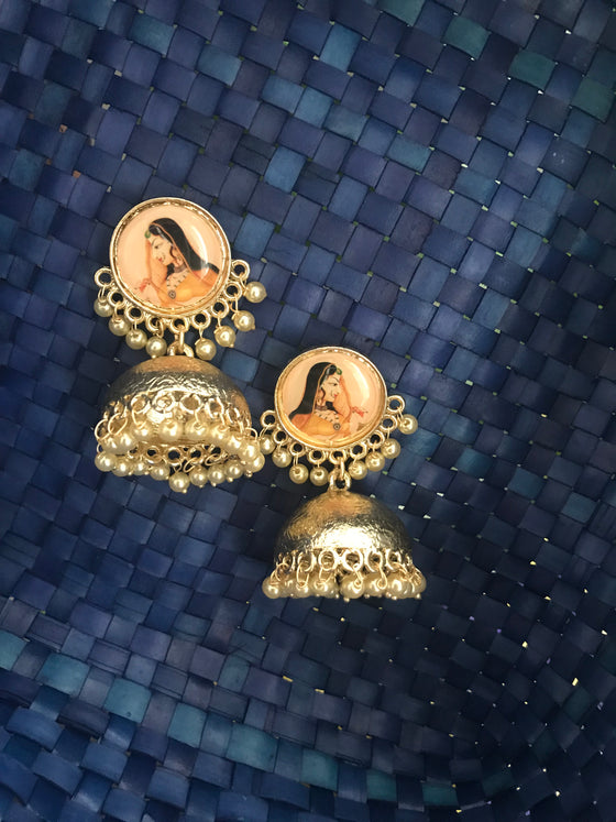 Women Golden Small Jhumka