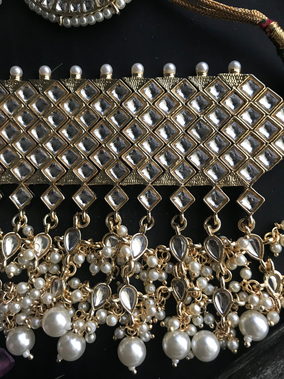 Celebrity Inspired Kundan Choker Cluster Pearl Necklace With Earrings