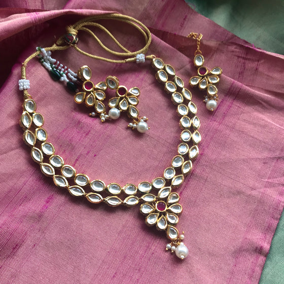 Vilandi Kundan Necklace Set with Earrings