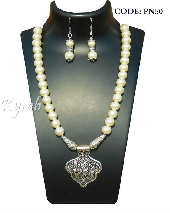 Simple Pendant Pearl Chain Set with Earrings