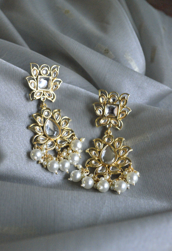 Kundan Pearl Poo Earrings