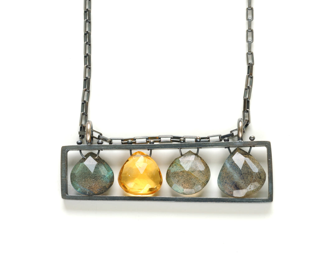 BP04HN - Long Horizontal Frame necklace