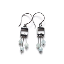 MJ04SE - Small Square Earrings with a fringe