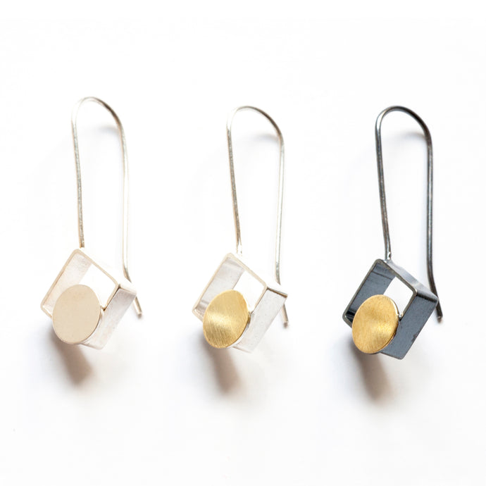 MJ11LE- SMALL Square Earrings, Diagonal with Dots