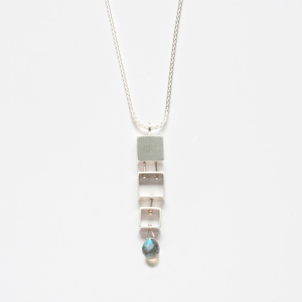 MJ24N - 3 SMALL Squares Necklace