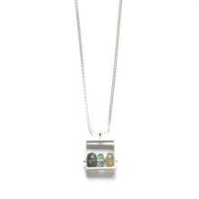 SRJ23N - Rectangle Necklace with 3 stones