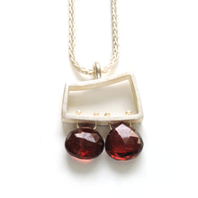 Small Horizontal Wedge Necklace with Facetted Briolettes VSJ02N