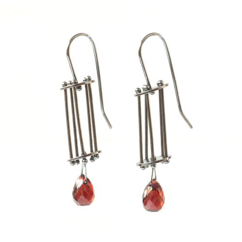 Vertical Round Cage Earrings with Teardrop Gemstones YD06E