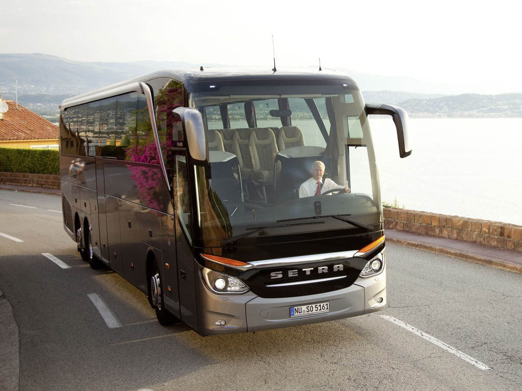 quality and cheap coach hire and minibus rental with driver or self drive for school events