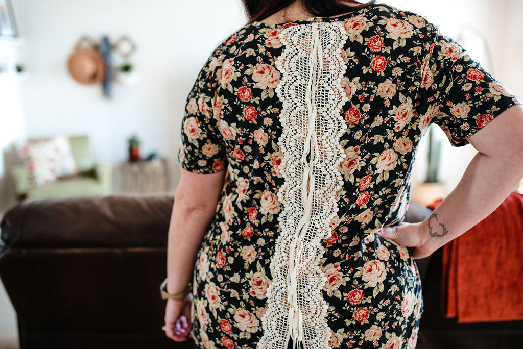 This Must Be Love - Floral/Lace Back