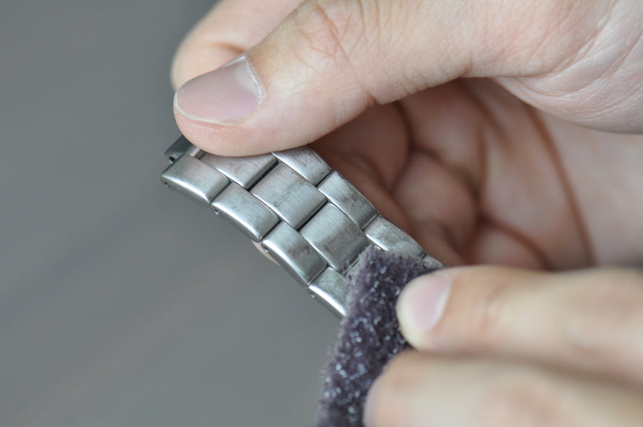 How to Refinish a Brushed Watch Bracelet