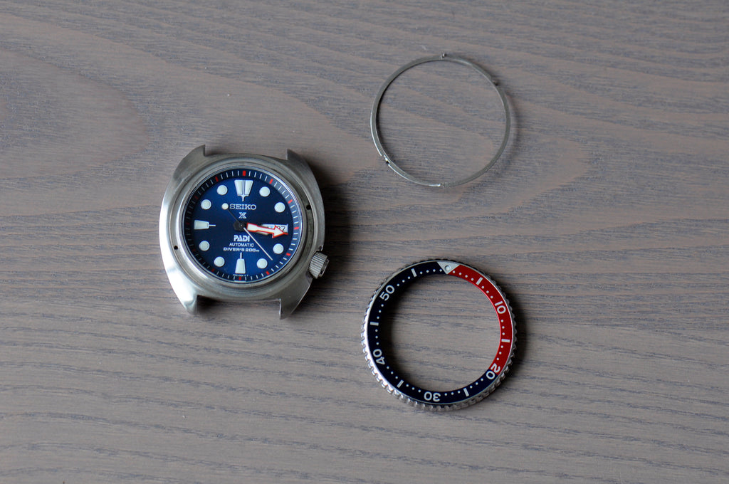 How to Align A Seiko Diver's Bezel – Strap Mill Canada