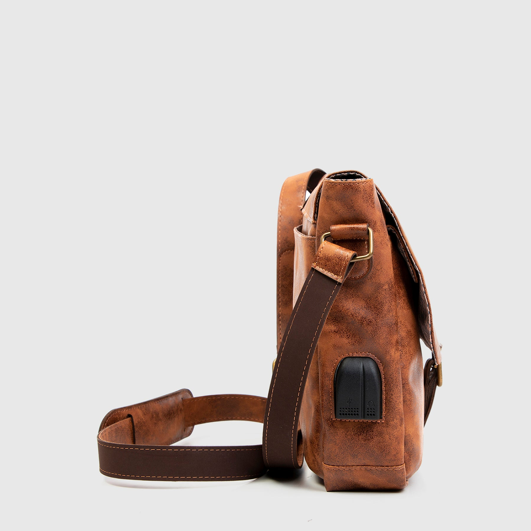 Messenger Brixton Brown