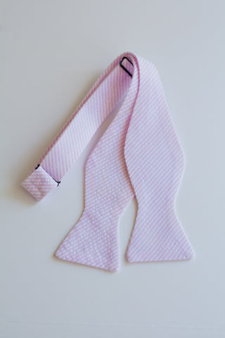 Men's Bow Tie in Pink Seersucker