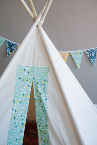 Play Teepee in Mint Triangles