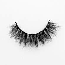 Peridot Cosmetics 3D Mink Lashes in the style Harmony