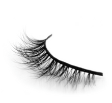 Peridot Cosmetics 3D Mink Lashes in the style Promise