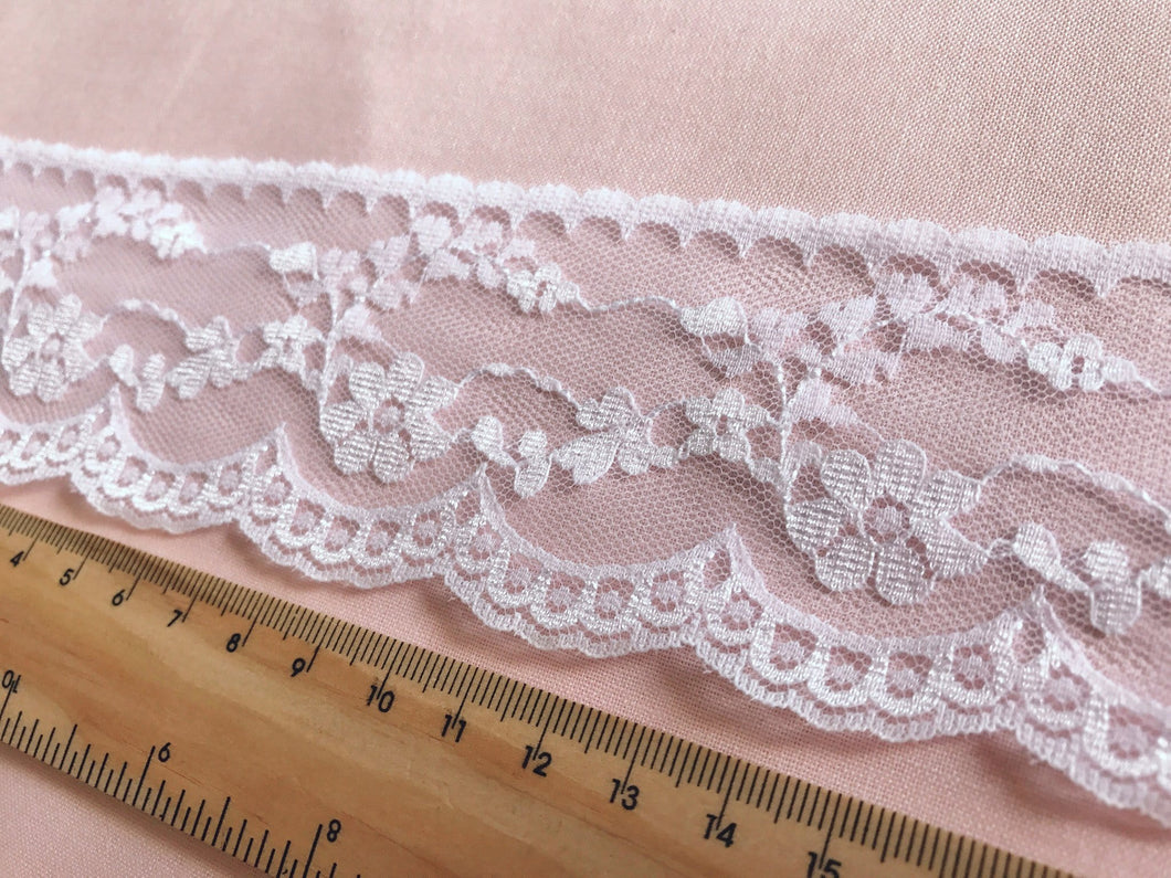 TL08 - 55mm Floral Scalloped White Lace