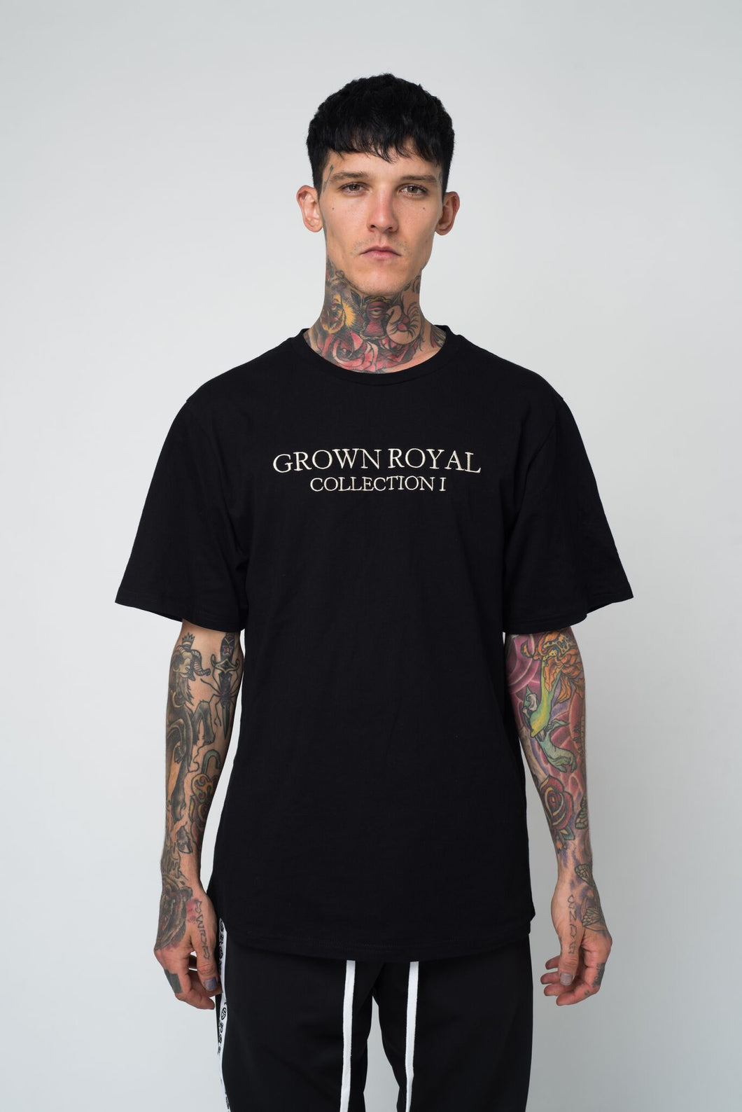 COLLECTION ONE T-SHIRT - BLACK - GROWN ROYAL
