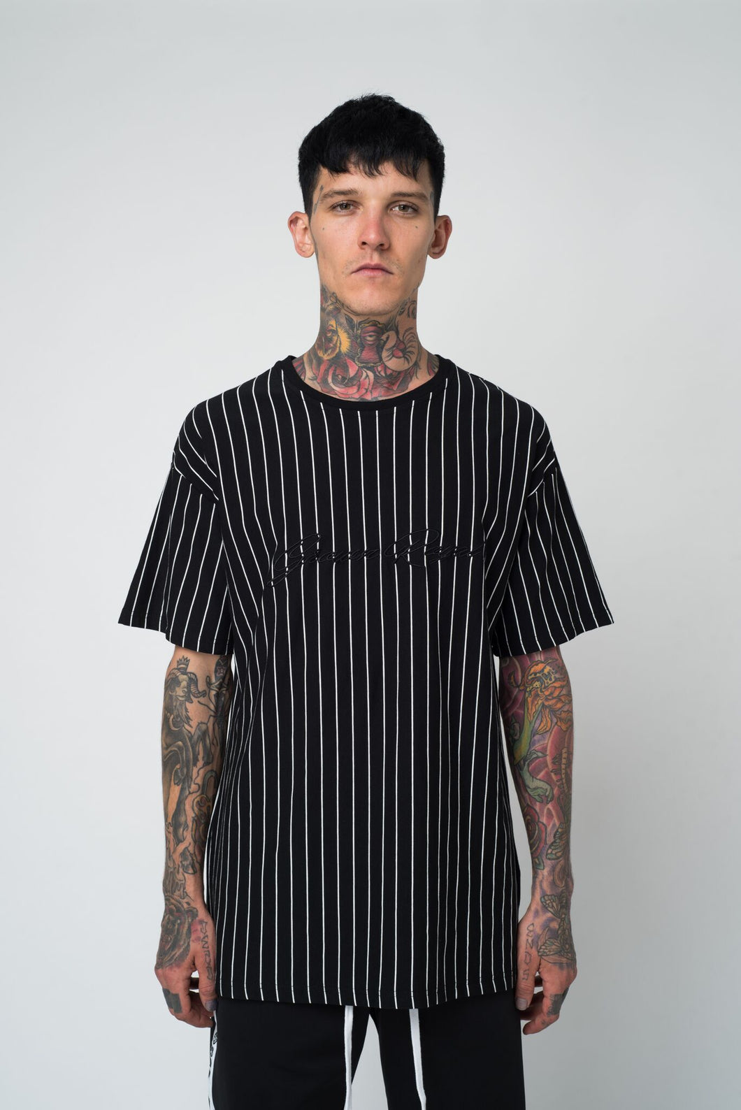 PINSTRIPE T-SHIRT - BLACK - GROWN ROYAL