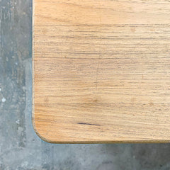 rounded edge dining table