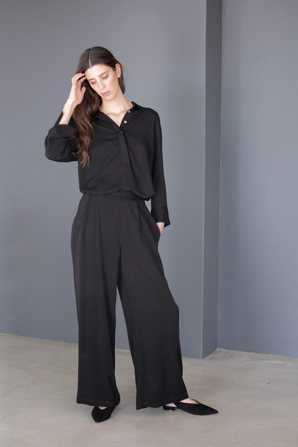 Turlington Wide Leg Pants in Black Rayon Twill