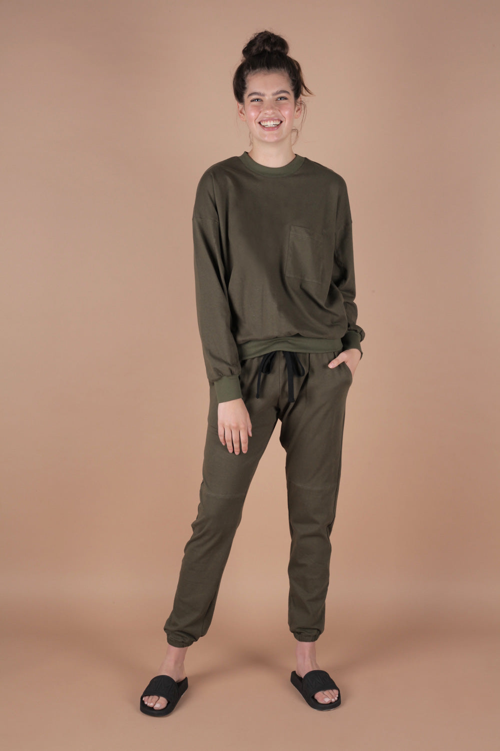 Essential 100% Cotton Jersey Sweatpants Set In Moss Green